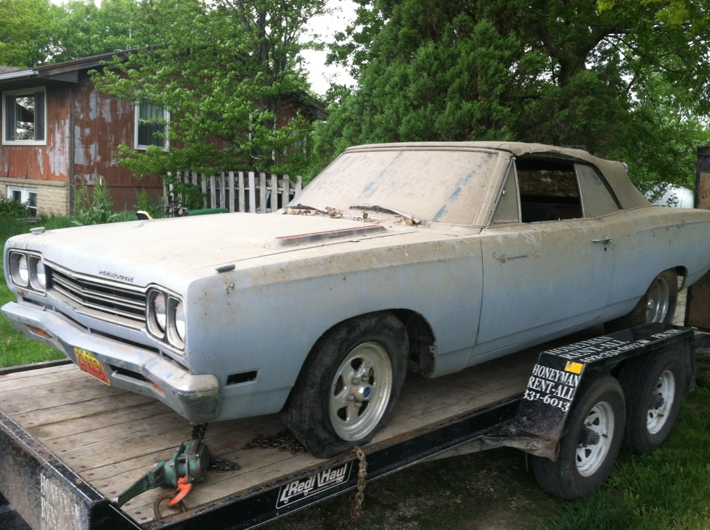 1969-road-runner-convertible-barn-find-4