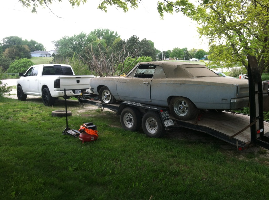1969-road-runner-convertible-barn-find-5