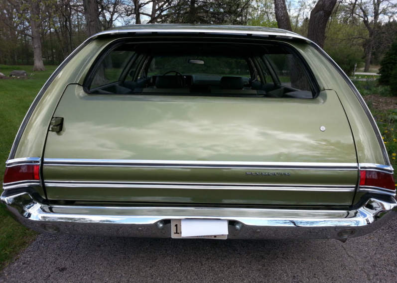 1970-Plymouth-Fury-Suburban-5