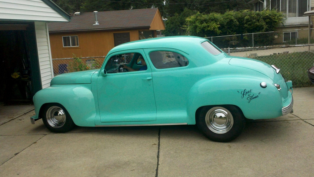 1948-Plymouth-Special-Deluxe-2