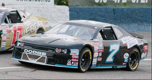 NASCAR-dodge-challenger