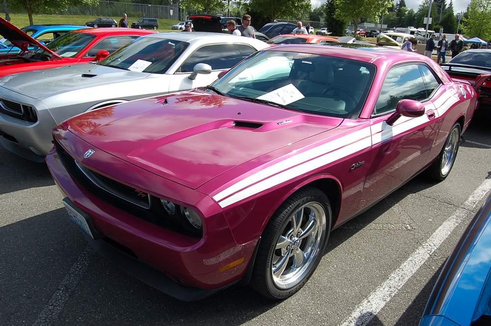 fuchsia-Dodge-Challenger