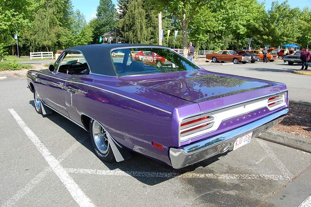 purple-1970-plymouth-satellite-003