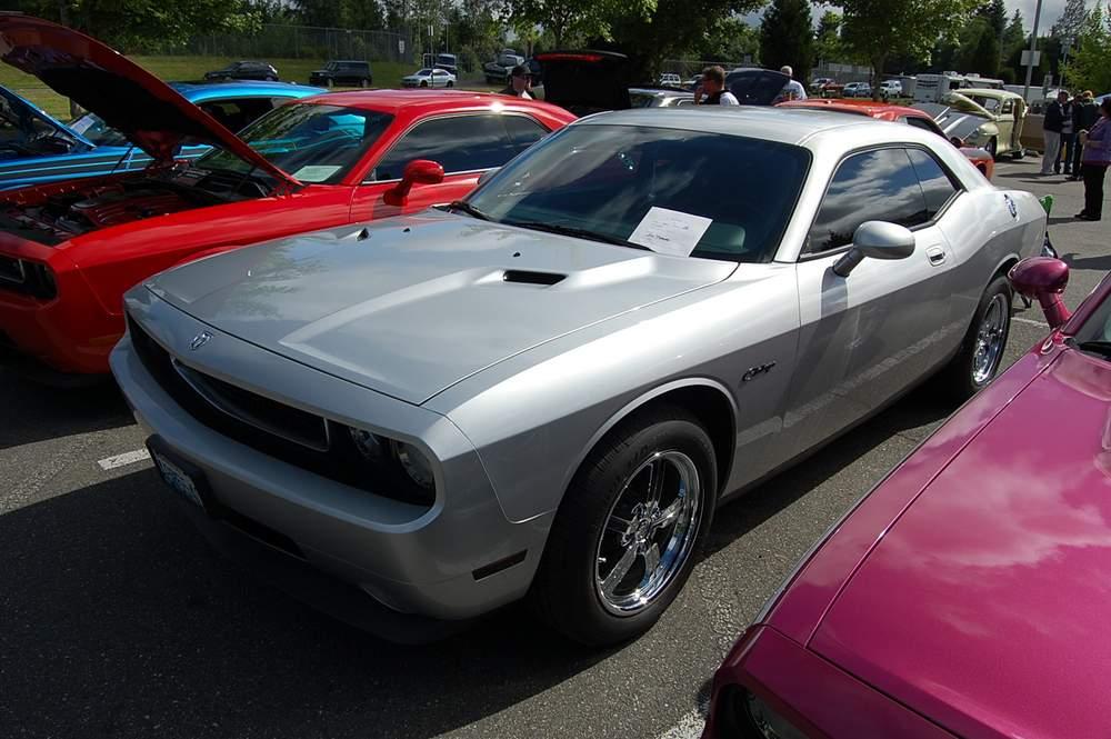 silver-Dodge-Challenger