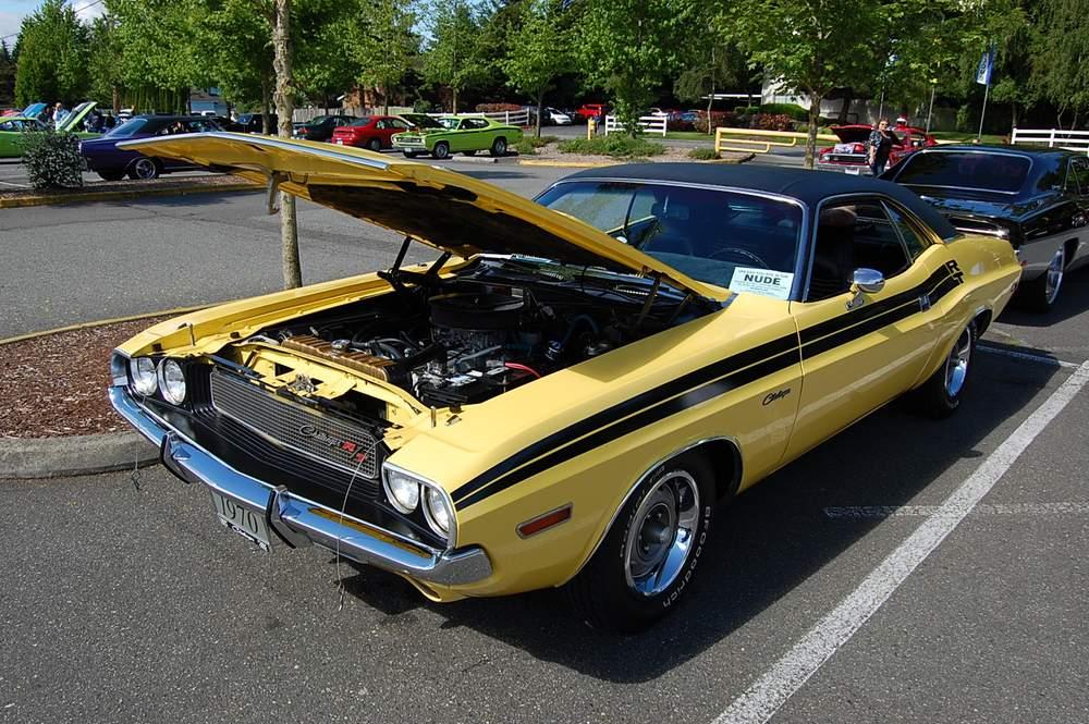 yellow-Dodge-Challenger-rt