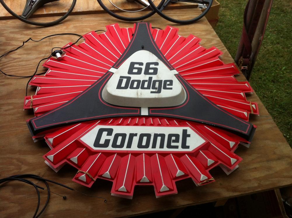 2013-Carlisle-Chrysler-Nationals-Dodge-sign
