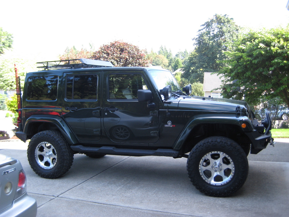 2011-Jeep-Wrangler-Sahara-7