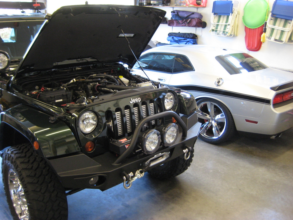 2011-Jeep-Wrangler-Sahara-8
