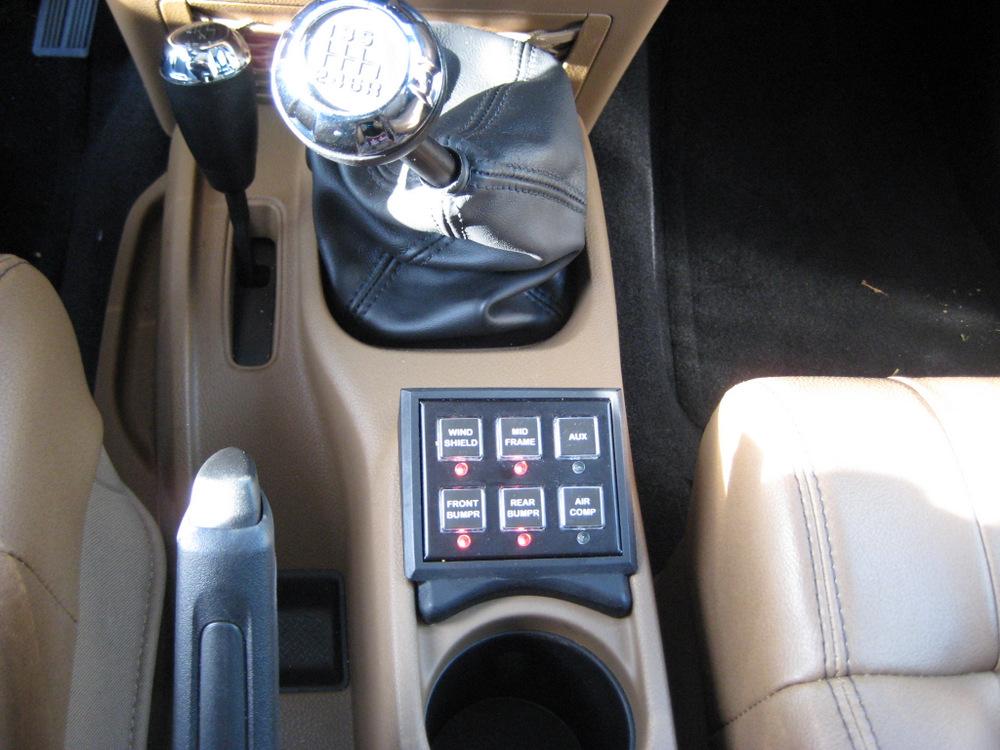 2011-Jeep-Wrangler-Sahara-9