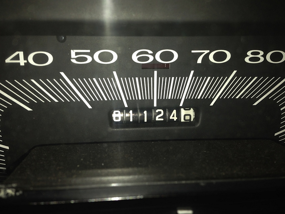 1966-Plymouth-Satellite-odometer