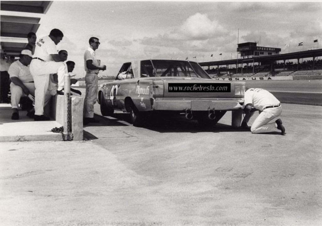1967-Plymouth-Belvedere-Richard-Petty-Daytona