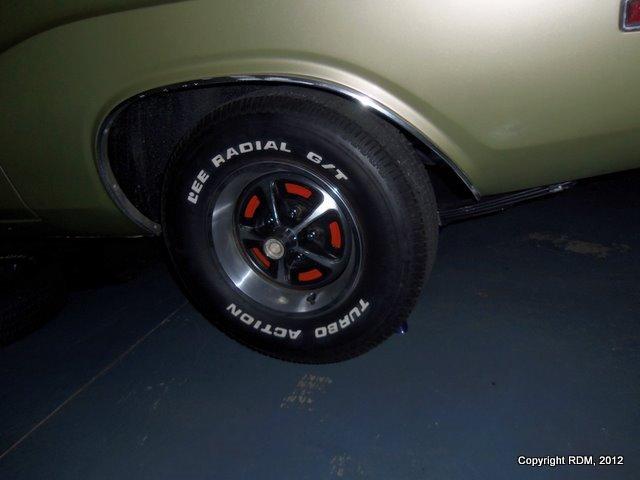 1970-Dodge-Challenger-SE-2