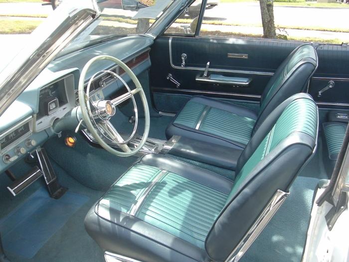 1965-Plymouth-Sport-Fury-interior