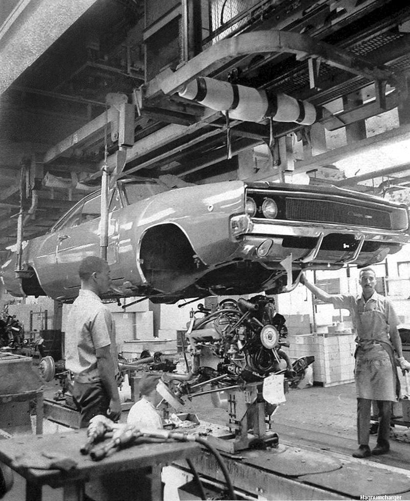 assembly dodge line charger 1968 hamtramck auto historical plant chrysler factory 1970 cars mopar plymouth roufs mcqueen rt robin production
