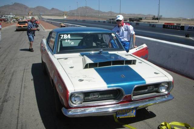1968-Plymouth-Barracuda-Sox&Martin-strip