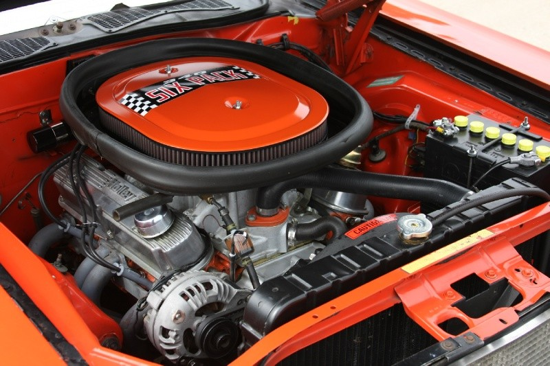 Dodge Challenger Engine on 1970 Dodge Challenger