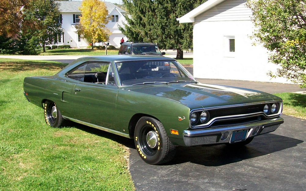 1970-Plymouth-Road-Runner-green