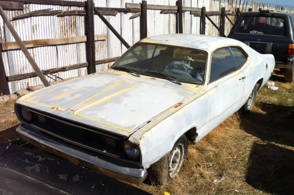 1971-Plymouth-Duster-340-FY1-Wrecking-Yard-Crush