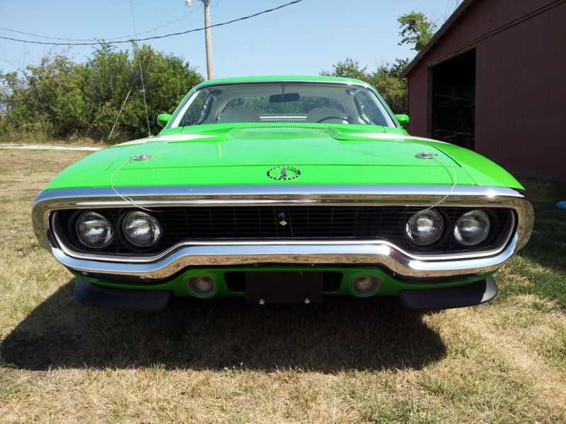 1971-Plymouth-Road-Runner-12
