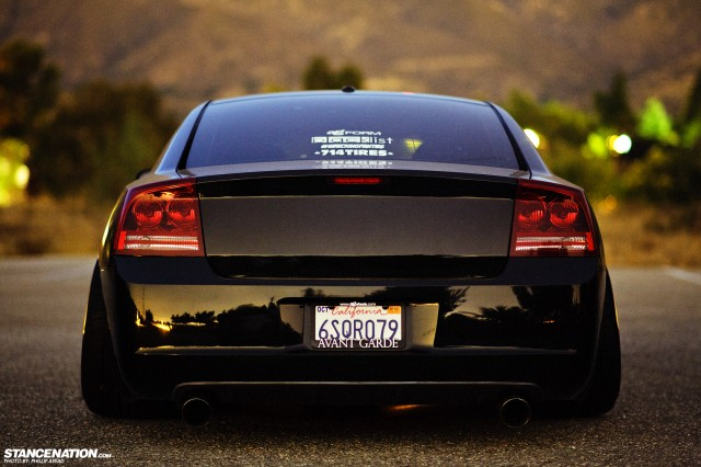 Dodge-Charger-SRT-rear
