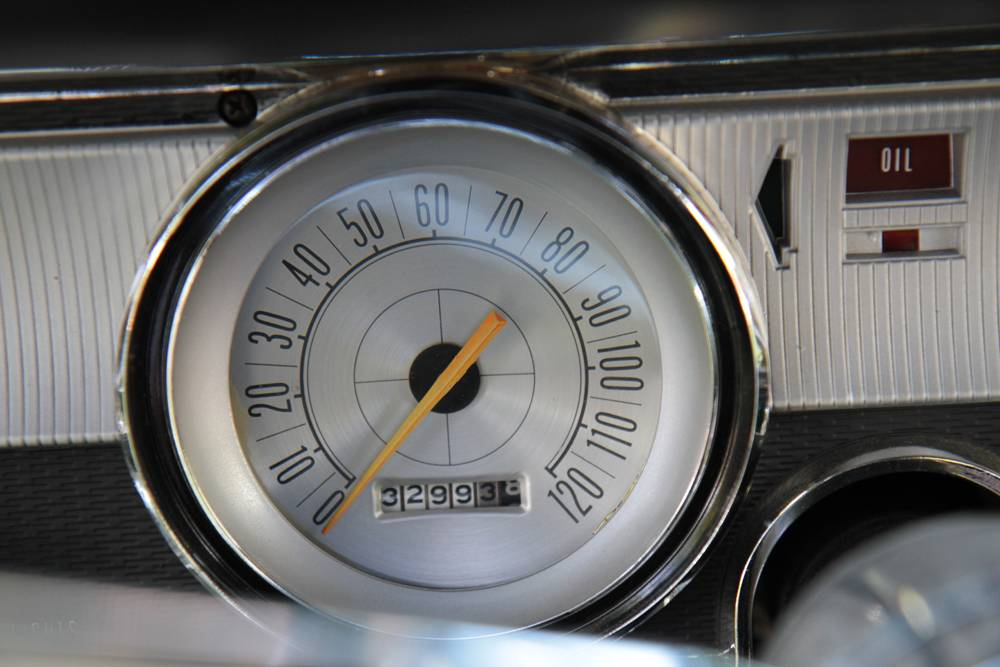1965-Dodge-Dart-Charger-273-speedometer