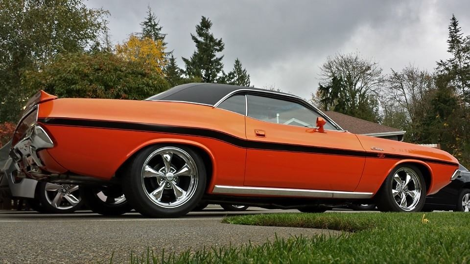 1970-Dodge-Challenger-orange-1