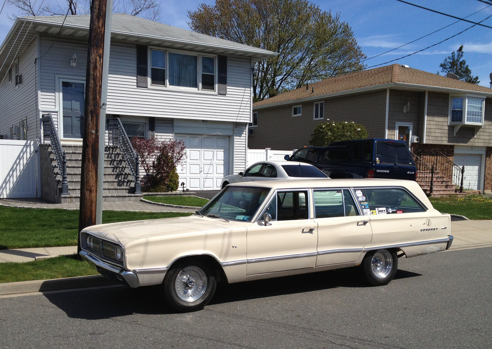 1967-Dodge-Coronet-440-wagon-2