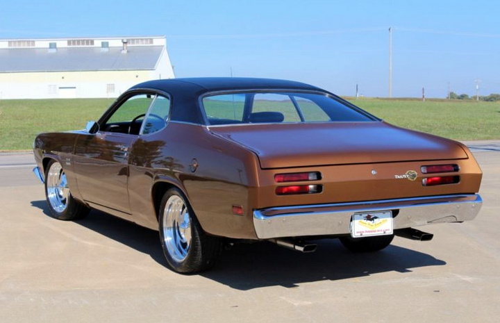 1970-Plymouth-Duster-rear