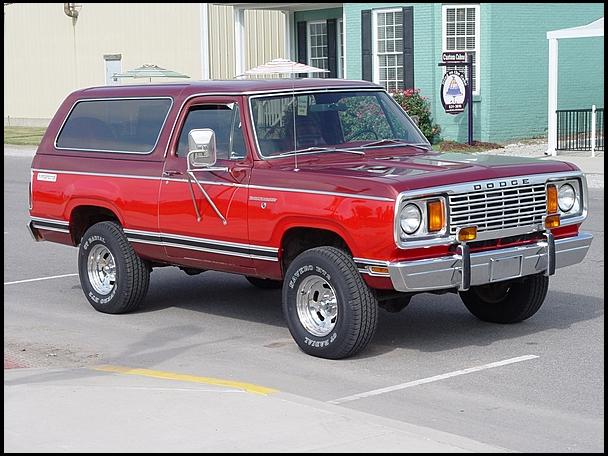 1978-Dodge-Ramcharger-3qtr2