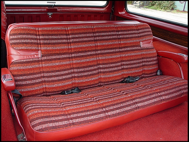 1978-Dodge-Ramcharger-rear-seat