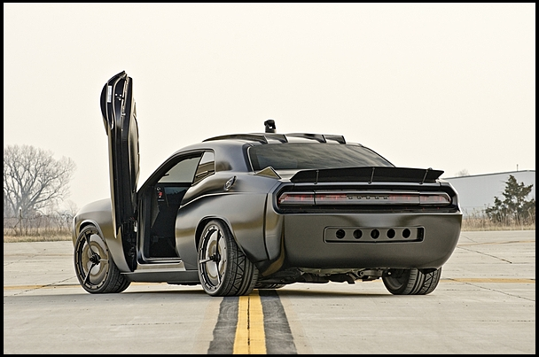 2009-Dodge-Challenger-Vapor-rear-3qtr