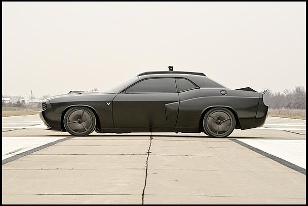 2009-Dodge-Challenger-Vapor-side