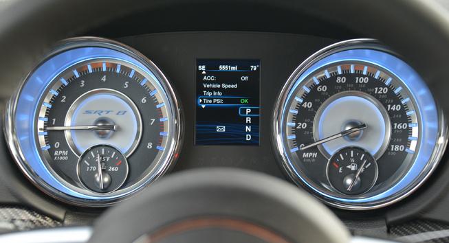 2014-Chrysler-300-SRT-dials