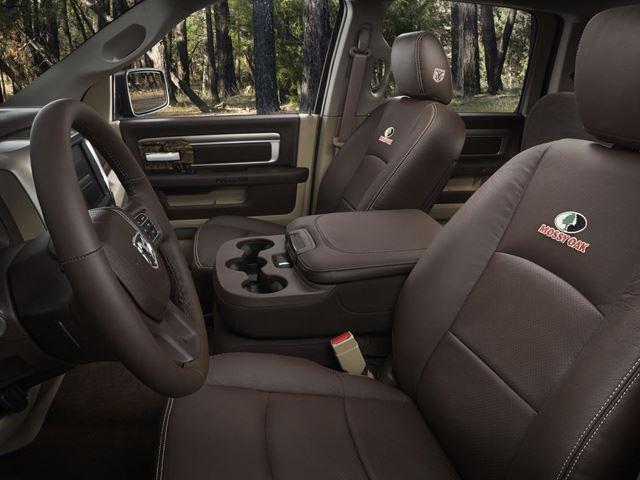 2014-Ram-1500-Mossy-Oak-Edition-interior