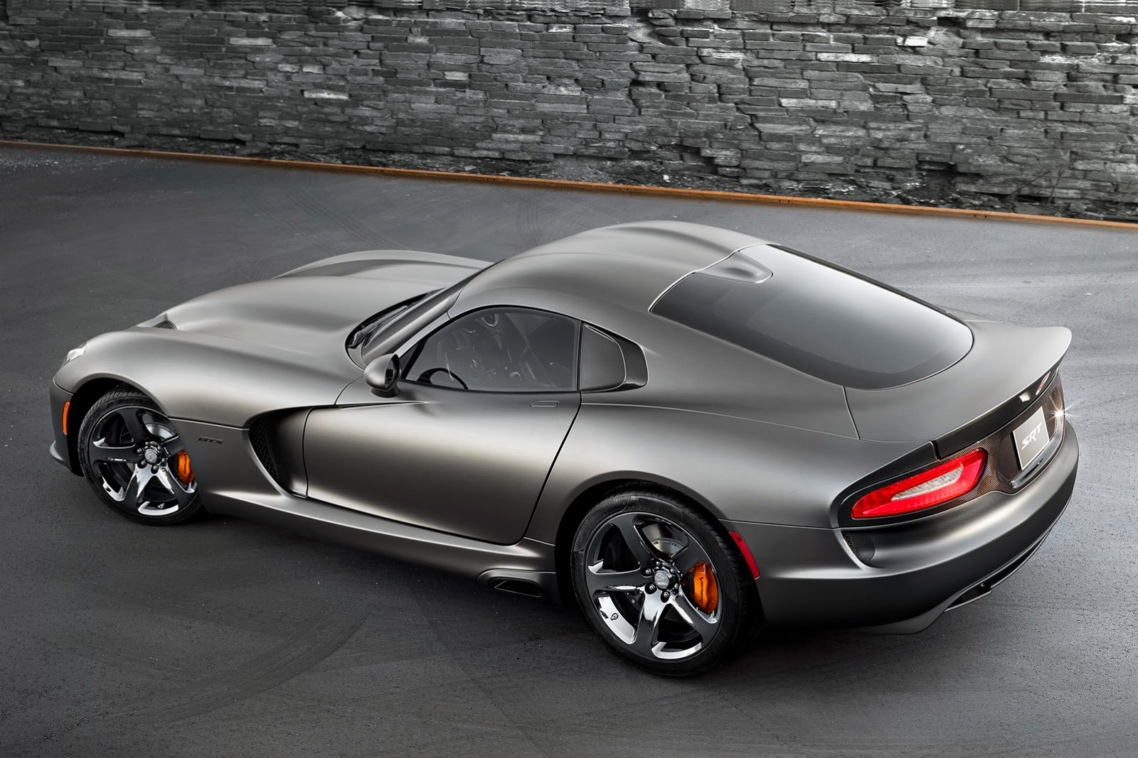 2014-SRT-Viper