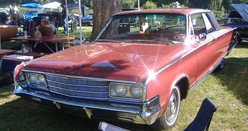 1965-Chrysler-New-Yorker-3qtr