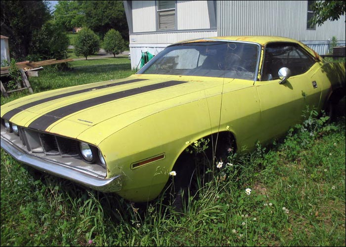 1971-Plymouth-Barracuda-front