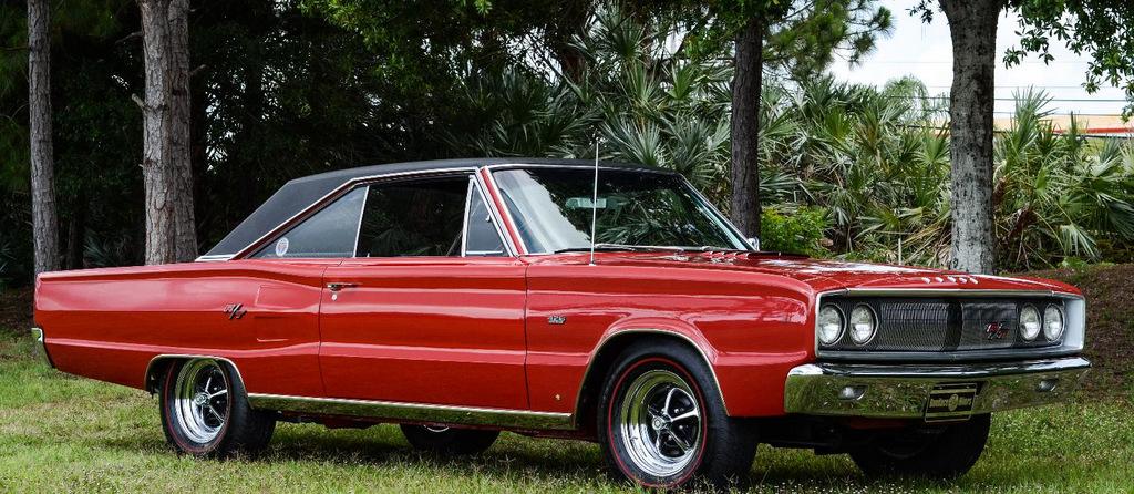 1967-Dodge-Coronet-TR-red-Hemi