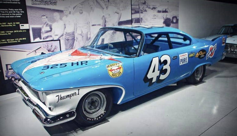 1960-Plymouth-Fury-Petty-1