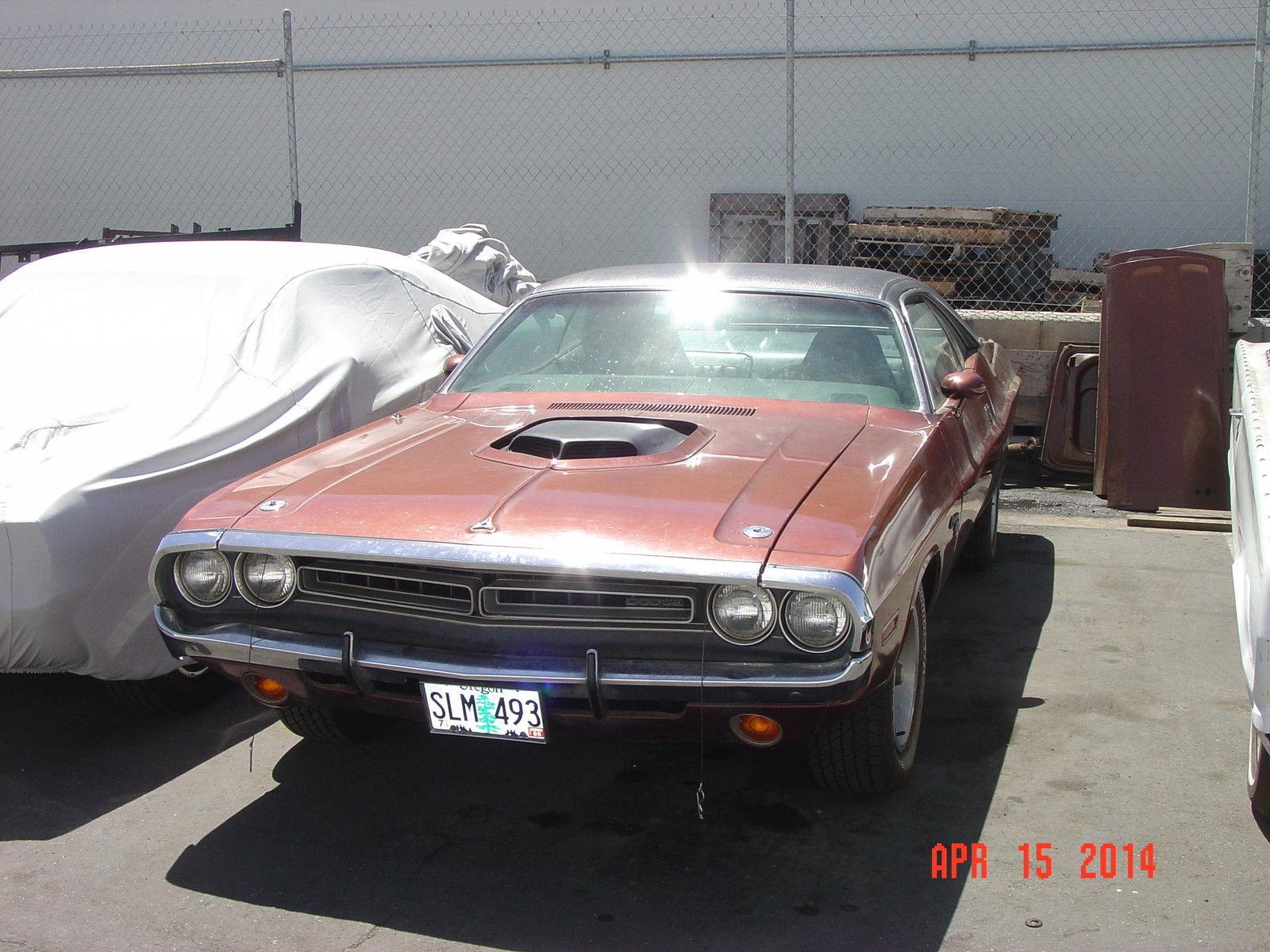 1971-Dodge-Hemi-Challenger-3qtr