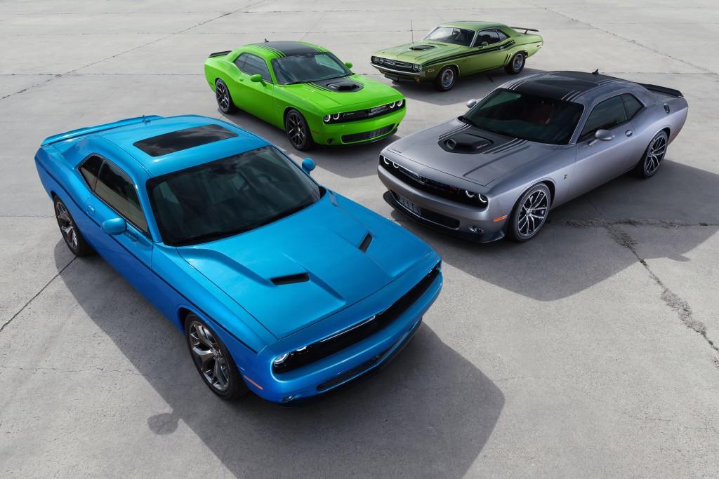 2015-Dodge-Challenger-overhead