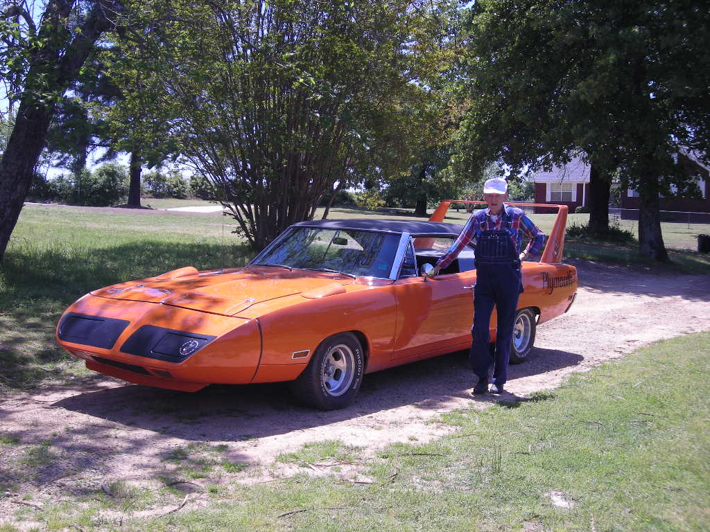 1970-Plymouth-Superbird-orange