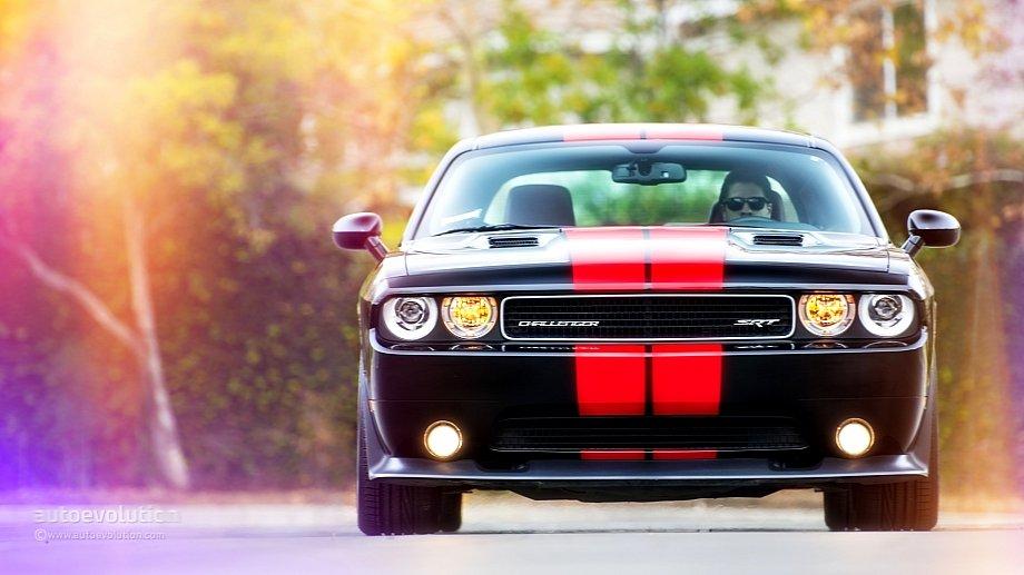 2014-Dodge-Challenger-front