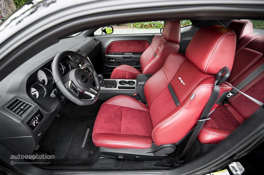2014 Dodge Challenger Seats