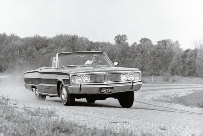 1966-Dodge-Coronet-Hemi-3qtr