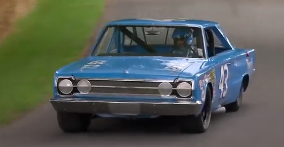 1966-Plymouth-Belvedere-GTX-Richard-Petty-3qtr