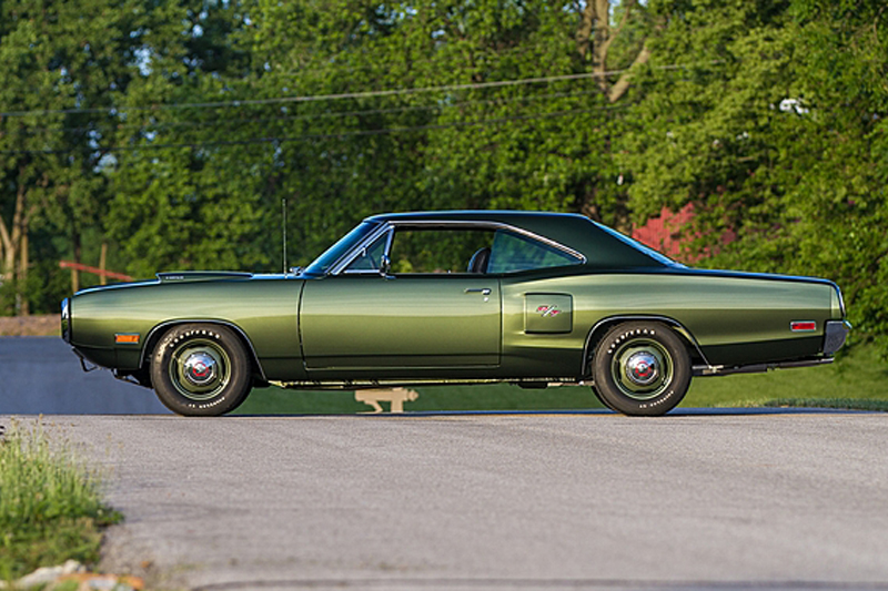 1970-Dodge-Coronet-RT-side-2