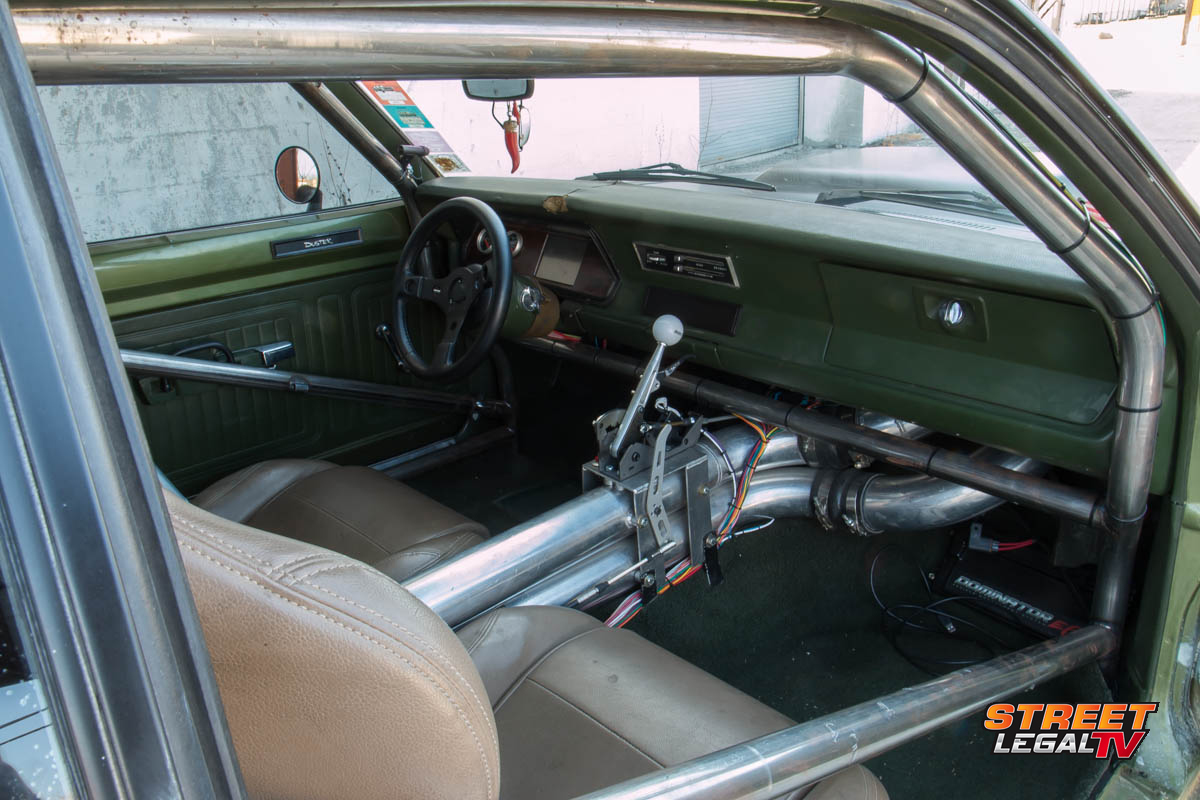 1972-Plymouth-Duster-interior-2