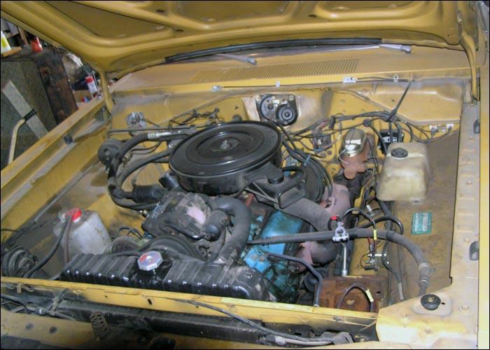 Dodge-Dart-Swinger-engine