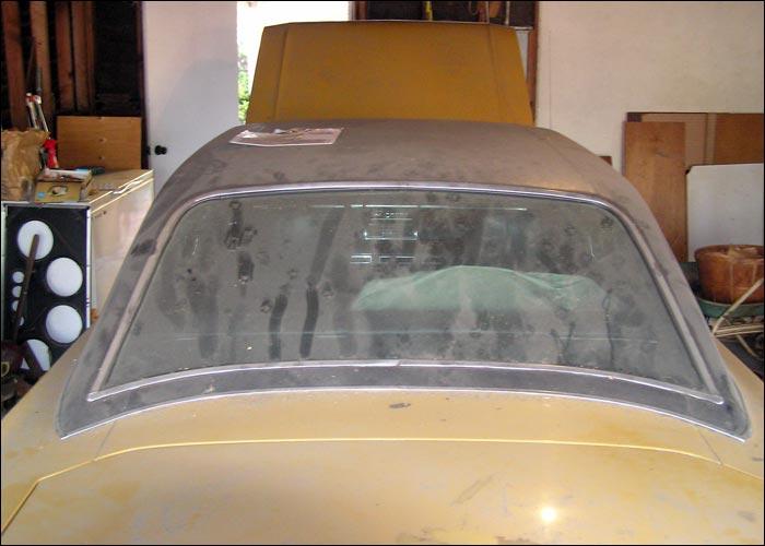 Dodge-Dart-Swinger-rear-window